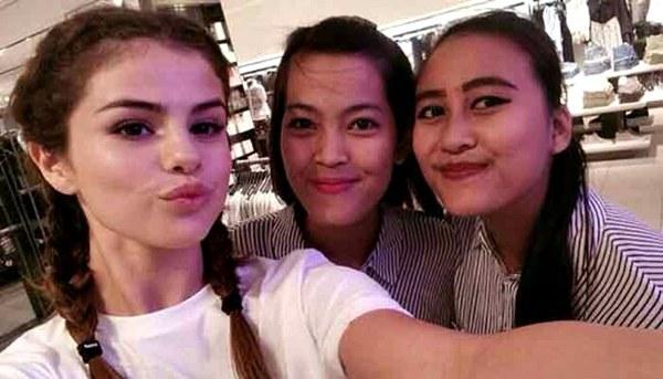 Selena-Gomez-Indonesia-2